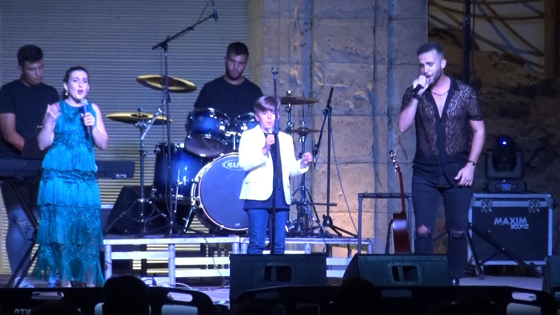 Actuación artistas locales de Arahal en la no Feria 2021