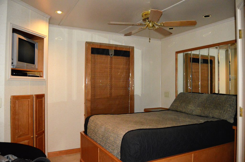 Sea Suites Bed and Breakfast room