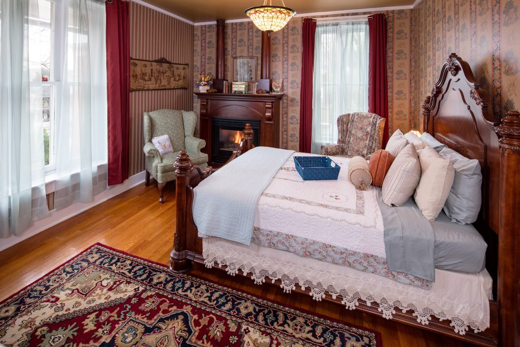 Bedroom at Steamboat House Bed and Breakfast