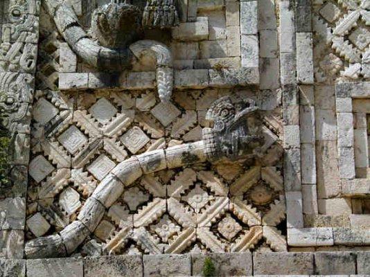 Maya afbeelding van de gevederde slang Kukulcan