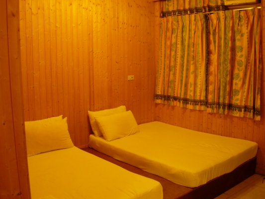 房間內~很簡單~這是四人房~